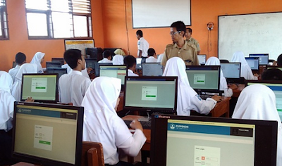 Contoh Soal Menyimpulkan Isi Tersirat dalam Cerpen dan Fabel - UNBK SMP 2020