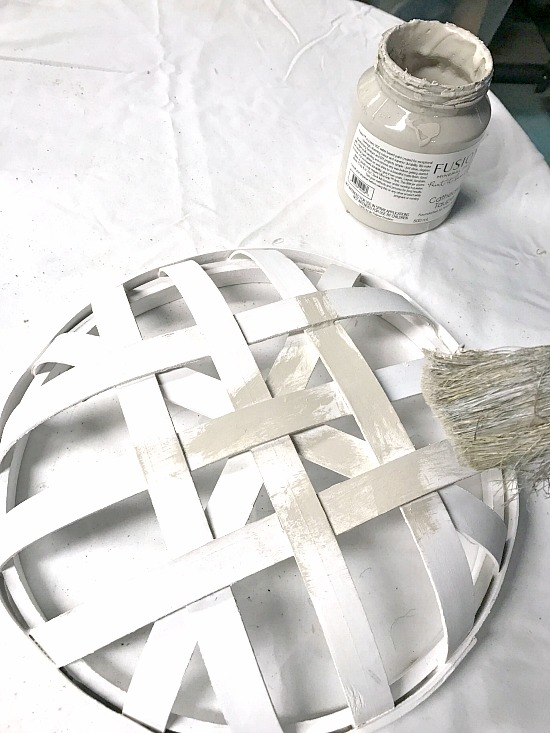 painting a tobacco basket