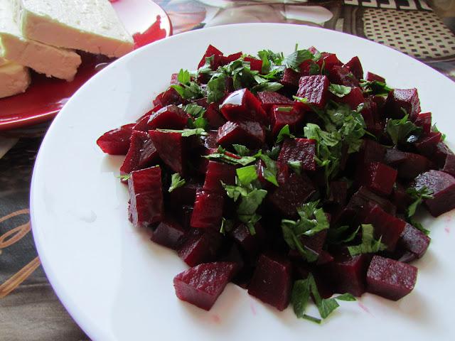pantzarosalata, czyli sałatka z buraczków
