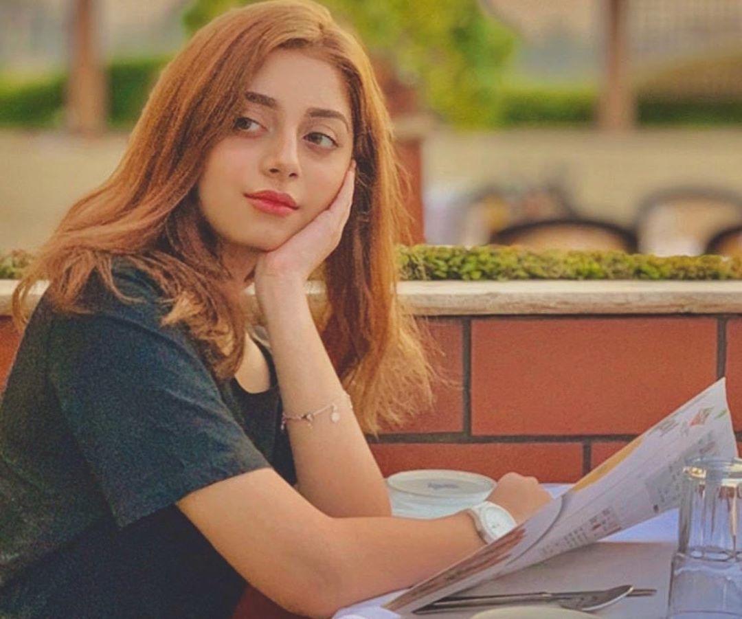 Alizeh Shah Biography, Age, Pic, Family, Dramas List