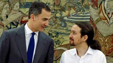"""BEGOÑA VILA: """"Felipe VI, el Rey que no quiere ser Rey"""""""