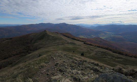 Panorama południowo-wschodnia z Połoniny Caryńskiej.