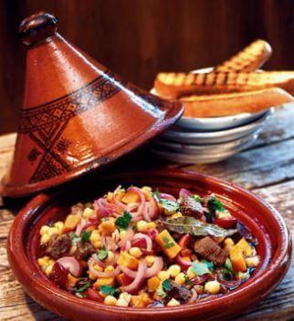 المأكولات المغربية - 15 طبقًا تقليديًا للأكل في المغرب
