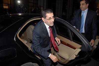 رئيس الحكومة يضع بين أيدي وزرائه مبلغا ضخما جدا لاقتناء السيارات والسفريات وتجهيز مكاتبهم
