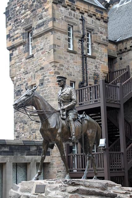 Ensikosketus Edinburghiin 37