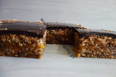Ciasto orzechowe z polewą