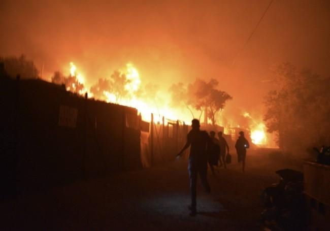 """Après l'incendie de Lesbos, la France """"prête à prendre sa part"""" dans l'accueil des migrants"""