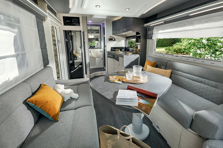 Lounge in a Chausson 640