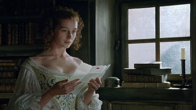 Roxane (Anne Brochet) dans Cyrano de Bergerac, d'après Edmond Rostand, de Jean-Paul Rappeneau (1990)