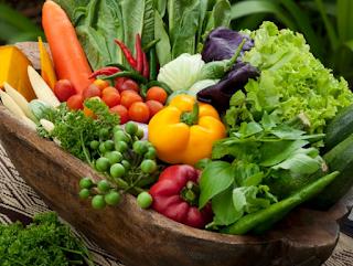 Makanan Segar Sebagai Sumber Antioksidan Alami