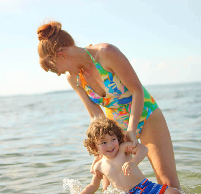 Kid's Beach Bag Essentials & Teaching Indigo how to Swim!