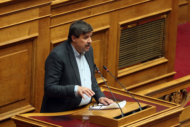 """Ξανθός στη Βουλή: """"Η κρίση εμπιστοσύνης δεν αντιμετωπίζεται με εκβιασμούς και απειλές"""""""
