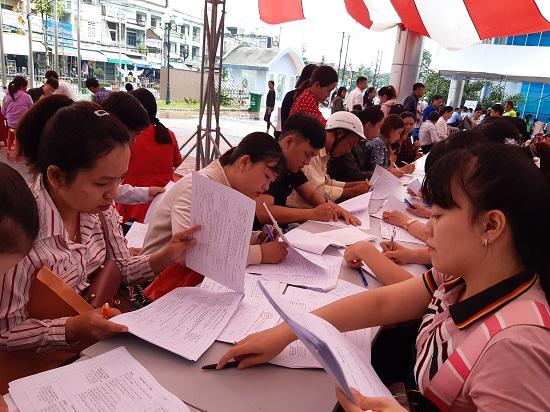 Các doanh nghiệp Quảng Ngãi có nhu cầu tuyển dụng hơn 8.500 lao động
