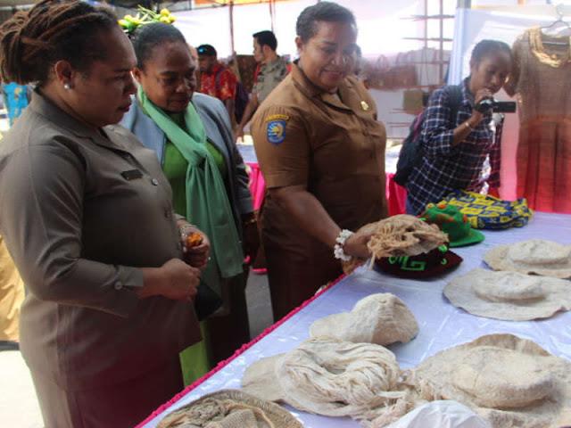 Pengrajin Papua Ditantang Siapkan Souvenir PON XX 2020