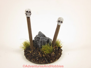 T1580 double totem scenery piece in 25-28mm scale - front.