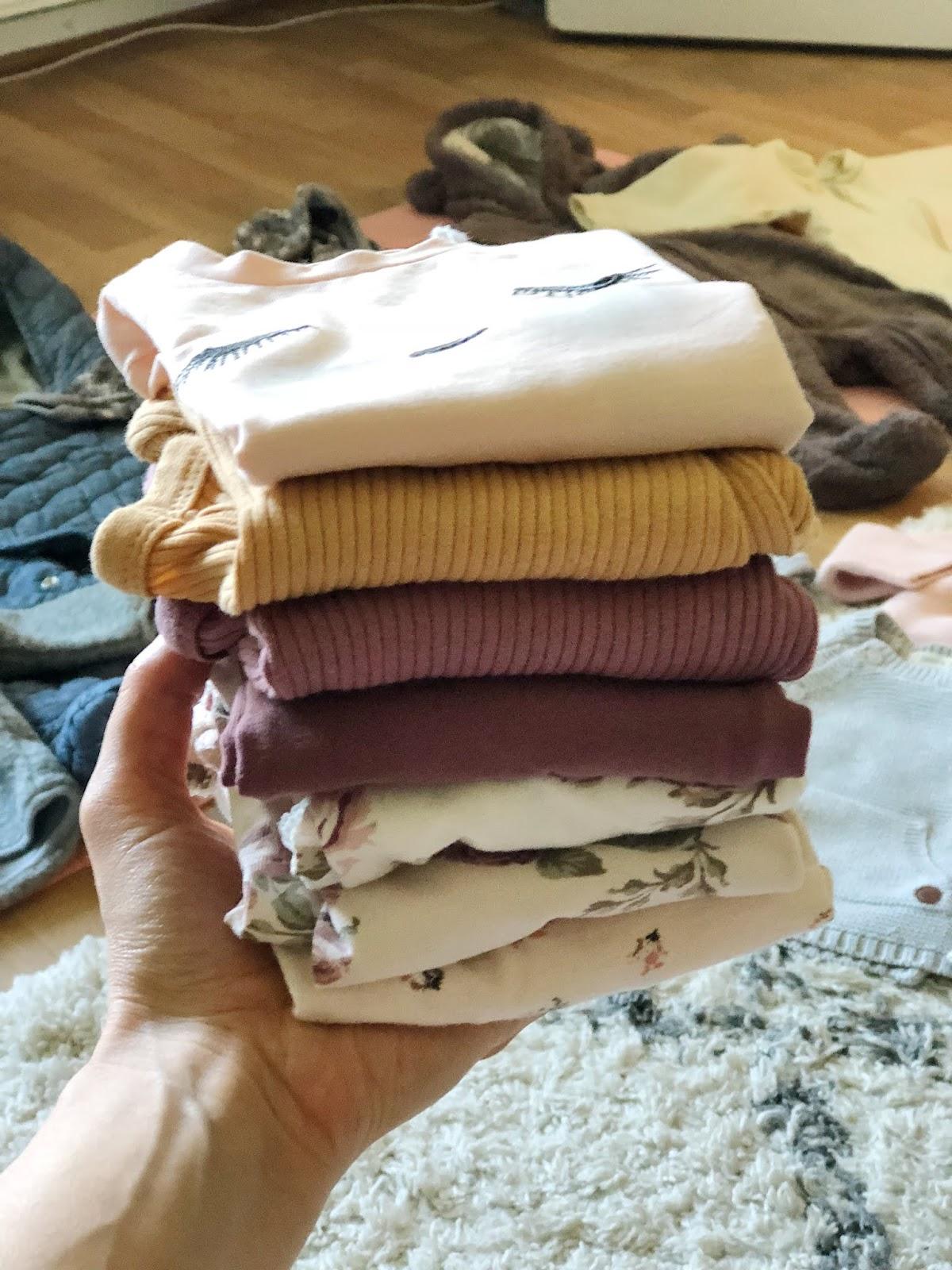 Meiltä vaatteita Ipanaisella myynnissä!