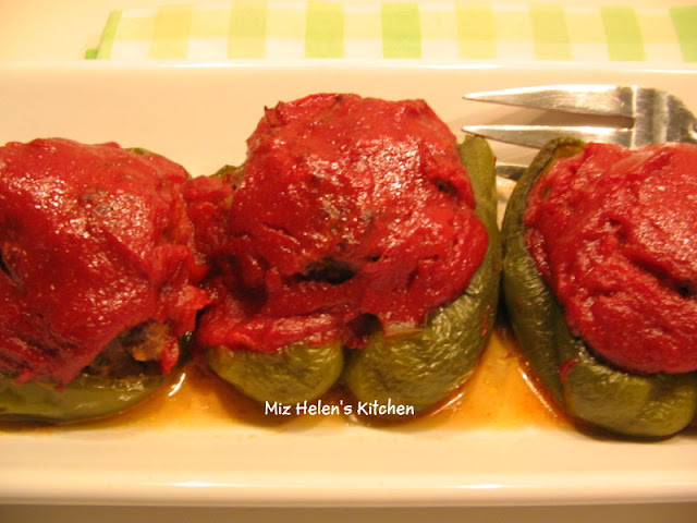 Stuffed Peppers at Miz Helen's Country Cottage