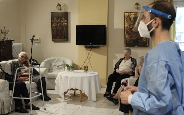 Τη Δευτέρα ανοίγει η πλατφόρμα των ραντεβού για τον εμβολιασμό των πολιτών άνω των 85 ετών