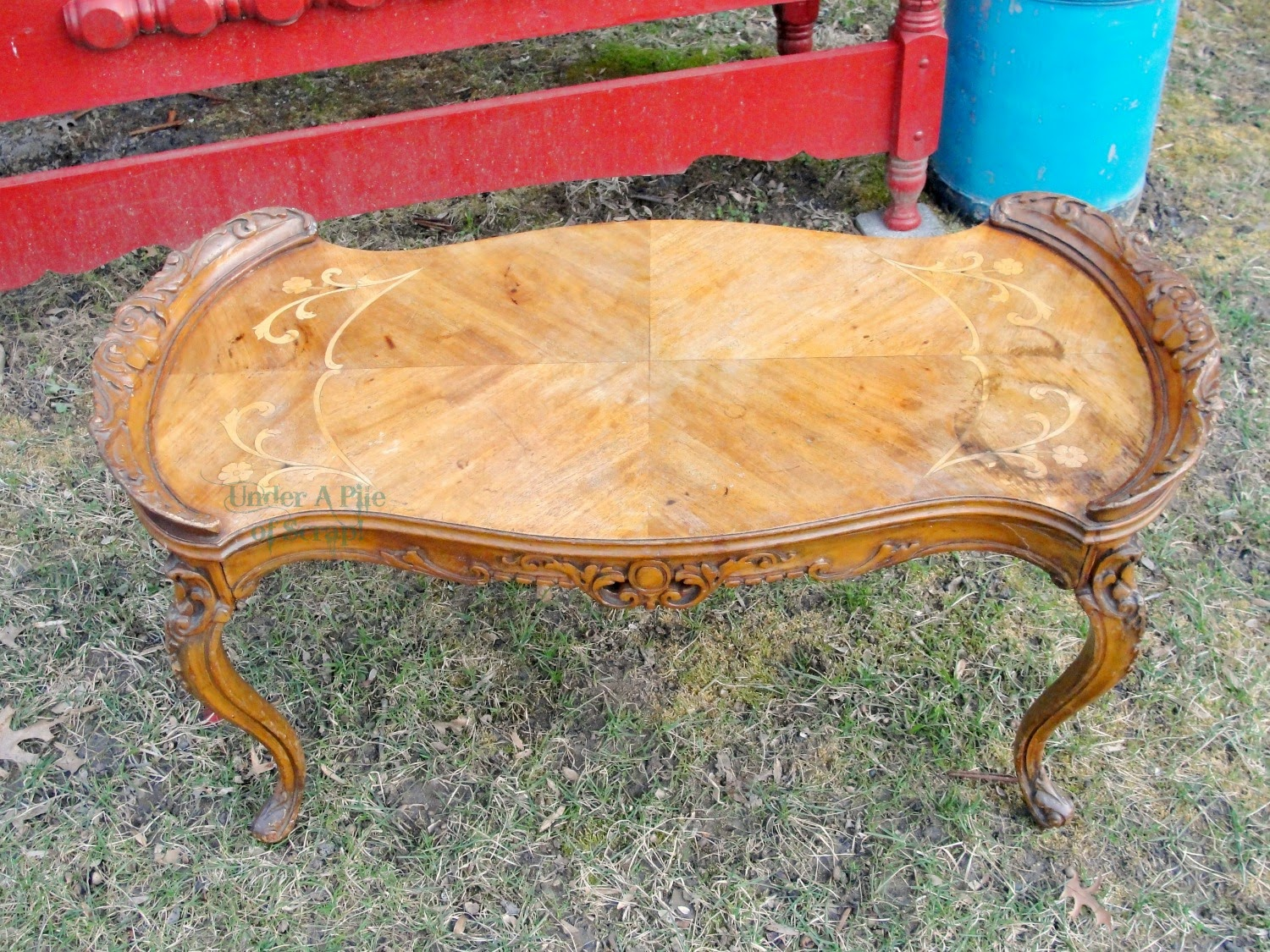 Fancy coffee table, French coffee table, table with inlay