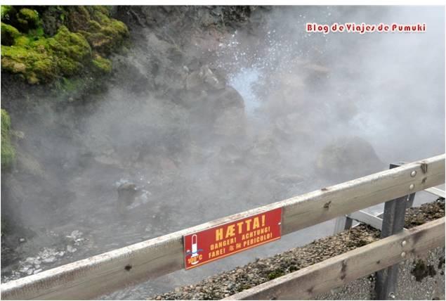 Bañarse en aguas termales no controladas puede resultar peligroso. Las aguas pueden superar los 100º
