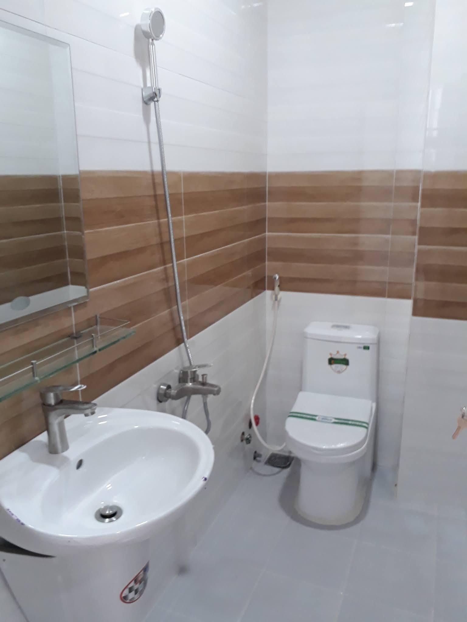 Bán nhà hẻm 231 Dương Bá Trạc phường 1 Quận 8 mới xây cực đẹp