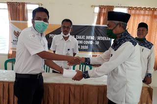 Baznas Salurkan Zakat Konsumtif untuk 565 Tenaga Honorer Kesehatan Kota Bima
