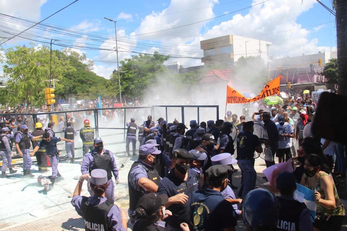 Represión en Formosa: hay 93 detenidos por las manifestaciones, entre ellos menores