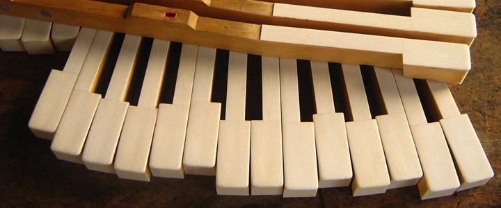 Phím đàn Piano làm bằng ngà voi