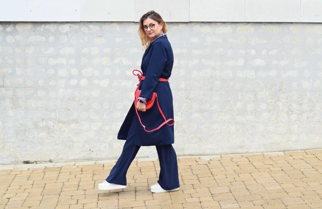 Blau-kombinieren-Dunkelblau-Outfit-monochrom