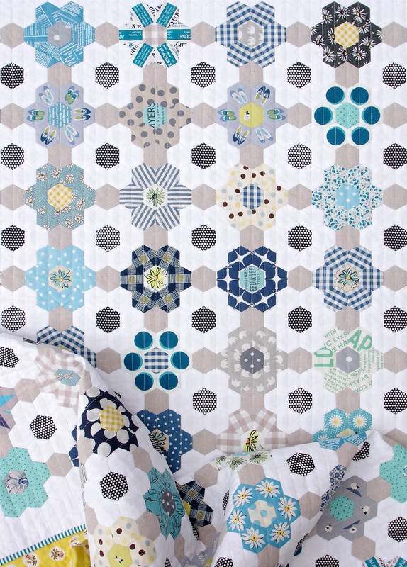 B is for Blues ~ A finished Hexagon Quilt © Red Pepper Quilts 2020 #patchworkquilt