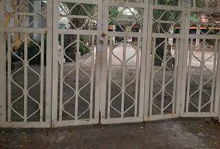 UBND xã Tân Quý Tây tự ý niêm phong cửa nhà dân trong Gia Trang Quán