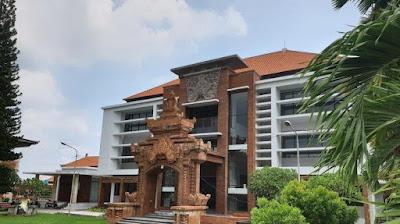 Universitas Ngurah Rai (UNR)