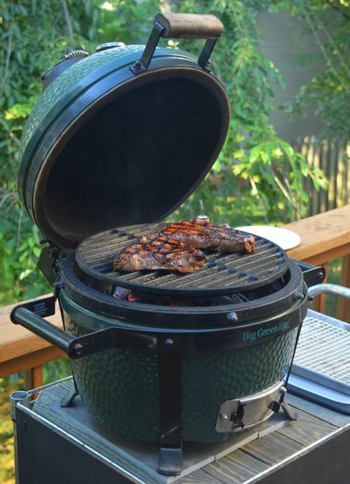 Grilling sirloin steaks on the Big Green Egg Mini-Max kamado grill