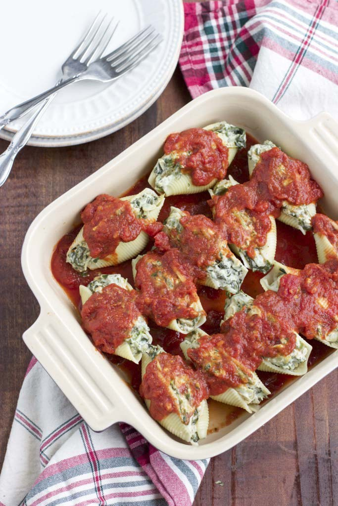DAIRY-FREE SPINACH ARTICHOKE DIP STUFFED SHELLS #vegan #vegetarian #cauliflower #easy #breakfast