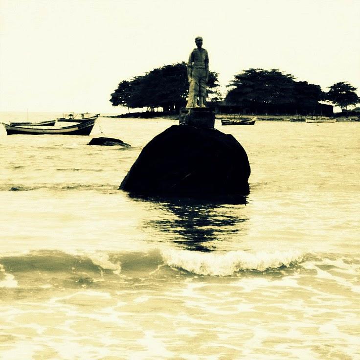 Monumento ao Pescador, Praia do Grant, em Barra Velha