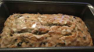 Blueberry bread recipe, easy and moist blueberry bread, quick blueberry bread, an easy blueberry bread recipe,