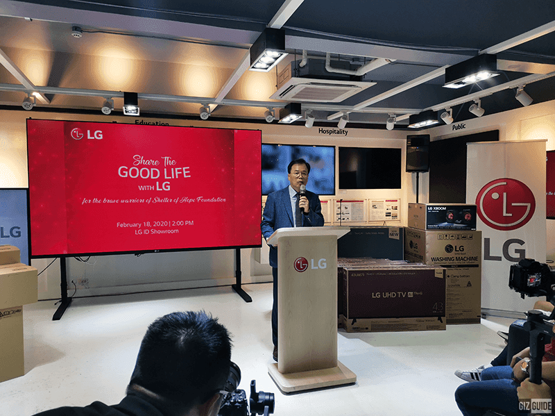 Inkwun Heo delivered a short speech before the turnover of appliances