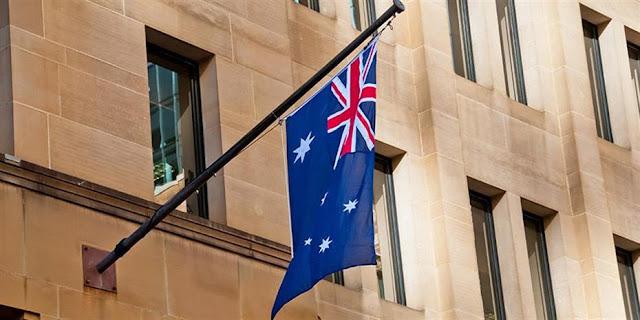Αρνούνται τα τεστ χιλιάδες Αυστραλοί, μιλούν για συνωμοσία