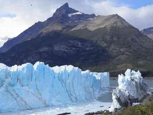 أحد عوامل تعرية سطح الأرض هو الجليد