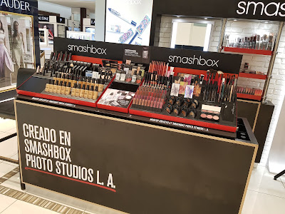 Smashbox Cosmetics display in Panama - www.modenmakeup.com