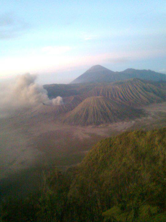 gunung bromo sunrise: wisata gunung bromo