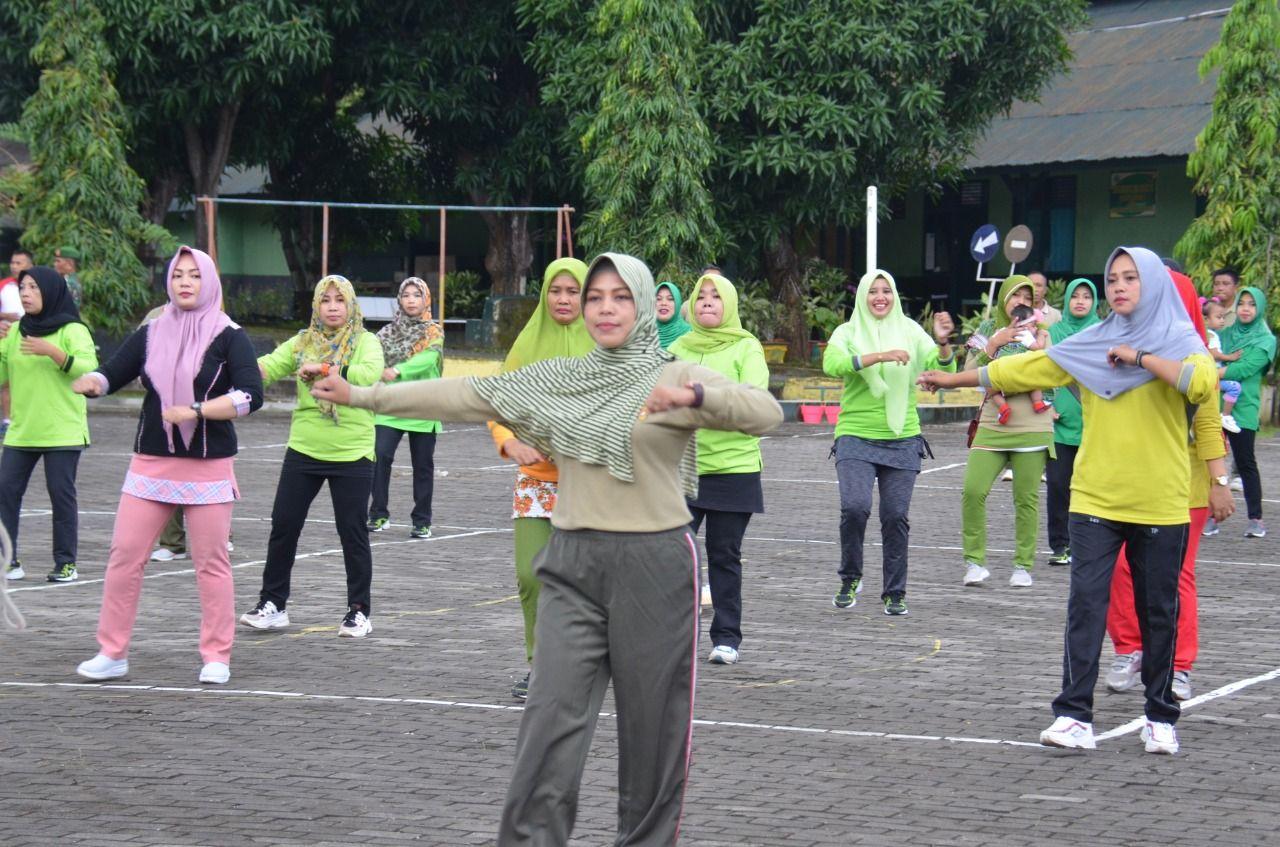 Personel Korem dan Balakrem 141/Tp Bersama Istri Gelar Senam dan Doa Bersama