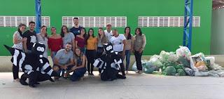 Equipe do PET Saúde arrecada mais garrafas PET para Espaço de Práticas Integrativas do CES/UFCG