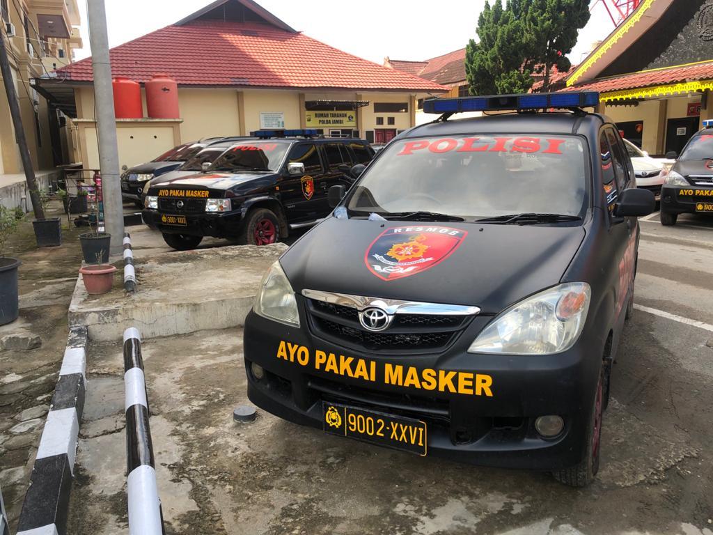 Kampanye Protokol Kesehatan, Mobil Dinas Polda Jambi Ditempeli Sticke Ayo Pakai Masker