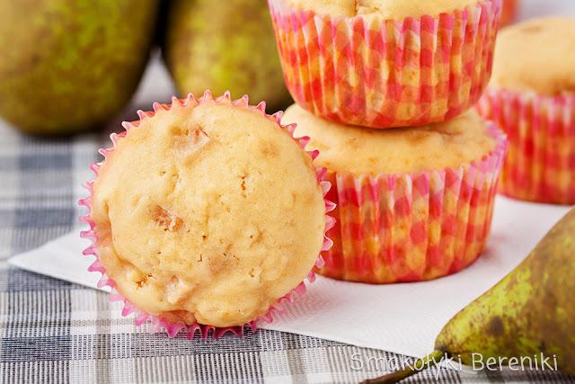 Muffiny gruszkowe na śmietanie