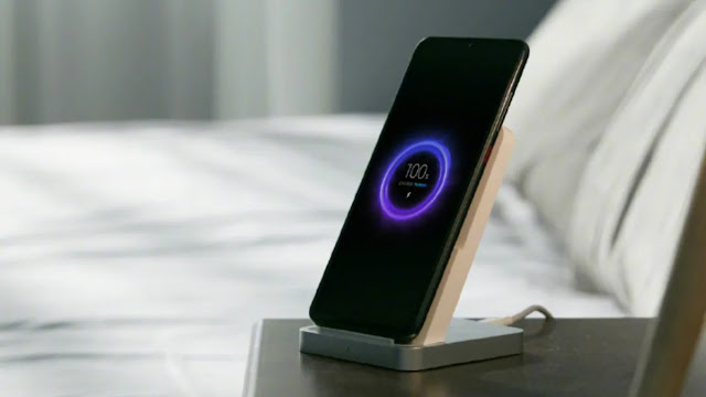 Mi Charge Turbo Wireless Charger Stand