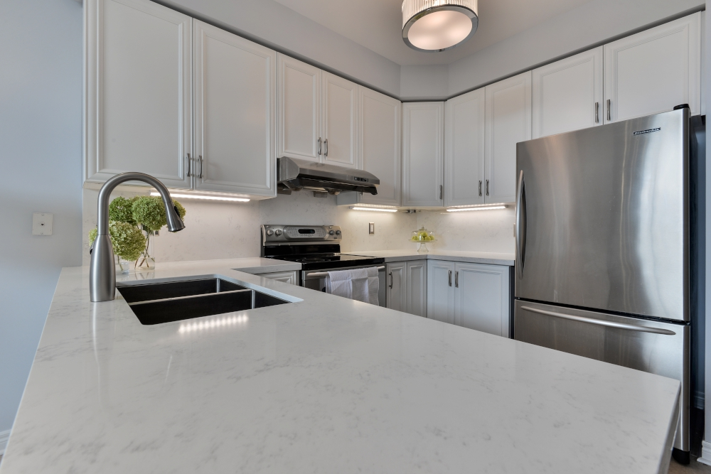 quartz counter tops and backsplash