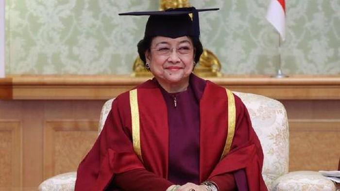 Akui Kaget Saat Dirinya Dapat Gelar Profesor, Megawati: Saya Sendiri Juga Bingung Apa Hasil Saya, Tapi Kan yang Menilai Orang Lain