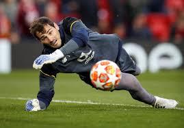 Iker Casillas cuelga los guantes