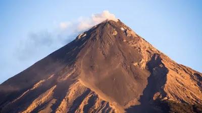Volcán Compuesto o Estratovolcán